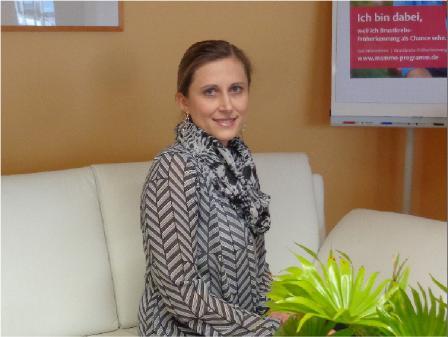 Frau Gaak, Bürokraft und Arzthelferin